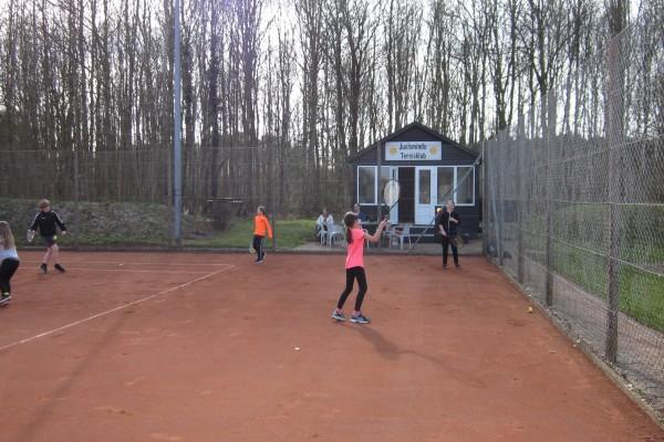 Tennis B&U start 2018 003